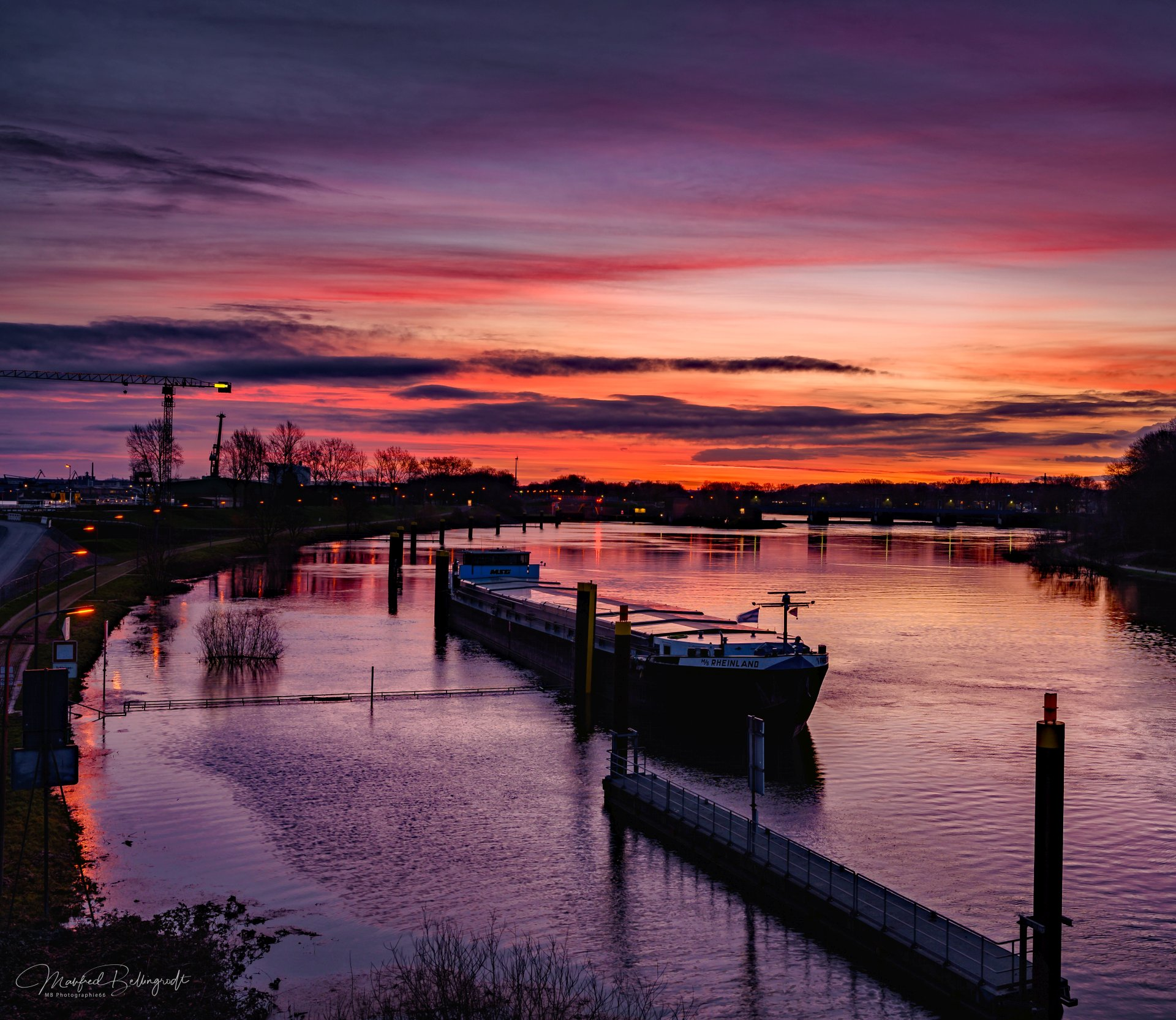 Sonnenaufgang Ruhrorter Hafen